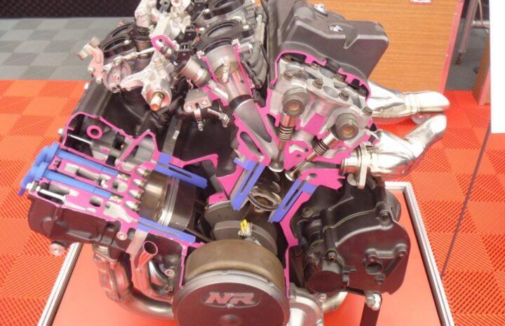 Двигатели внутреннего сгорания мотоциклов – их типы, недостатки и характеристики